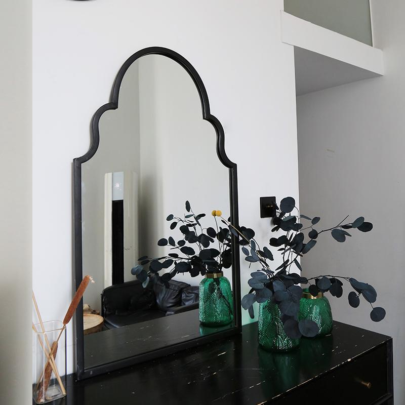 Handicraft Antique Indoor and Outdoor Metal Decorative Wall Mirror_01